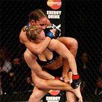"""Thể thao - UFC 157: """"Kiều nữ"""" lại thắng nhờ bẻ tay"""