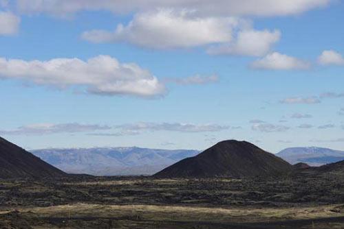 Mạo hiểm khám phá vẻ đẹp trong lòng núi lửa - 1