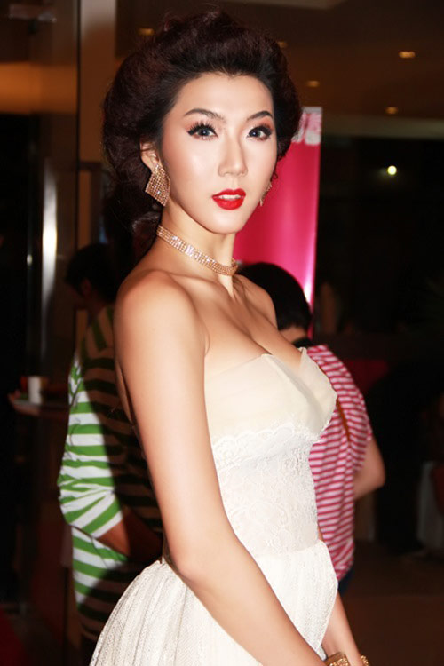 6 gương mặt cứng đơ của mỹ nhân Việt - 14