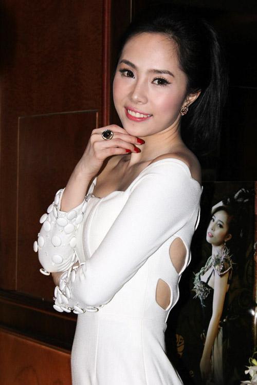 6 gương mặt cứng đơ của mỹ nhân Việt - 7