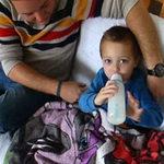 Sức khỏe đời sống - Kỳ lạ cậu bé không thể ăn gì ngoài sữa