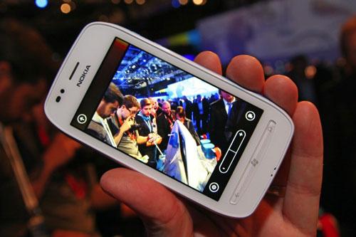 3 smartphone giá rẻ dưới 5 triệu gây chú ý - 2