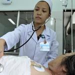 """Tin tức trong ngày - Những """"áo trắng"""" hết lòng vì bệnh nhân"""