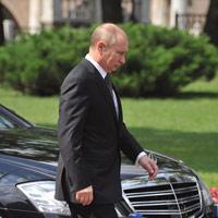 Tổng thống Putin thất vọng với xe sang Nga