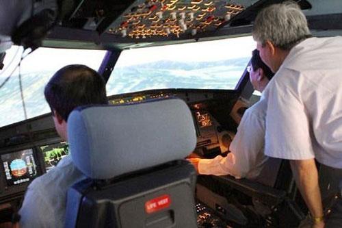 Phi công Úc ngất xỉu khi bay huấn luyện ở VN - 2