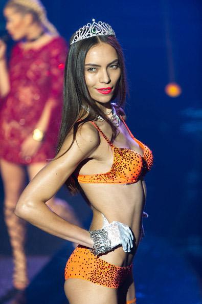 """Victoria's Secret bị """"dằn mặt""""! - 12"""