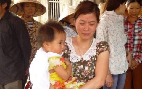 Bố mẹ cùng chết đuối: Xót lòng 3 con trẻ - 3
