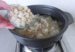 Mách bạn cách nấu chè hạt sen cực ngon - 9