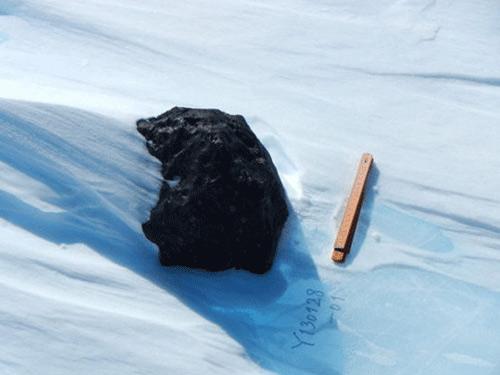 """Phát hiện thiên thạch """"khủng"""" ở Nam Cực - 1"""