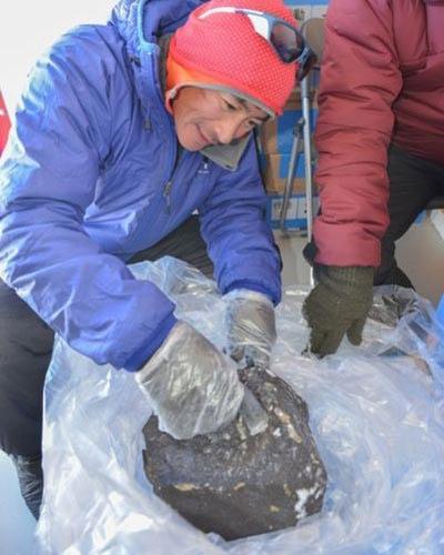 """Phát hiện thiên thạch """"khủng"""" ở Nam Cực - 5"""