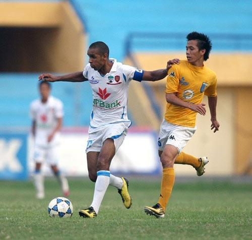 """Vòng 1 V-League 2013: """"Săn cọp"""" xuống núi - 1"""