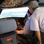 Tin tức trong ngày - Phi công Úc ngất xỉu khi bay huấn luyện ở VN