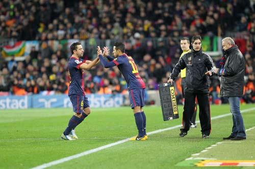 Barca mất Xavi trước Real và Milan - 1