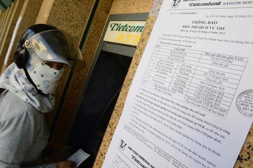 Thu phí, ATM vẫn trục trặc - 2