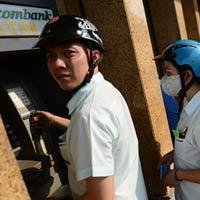 Thu phí, ATM vẫn trục trặc