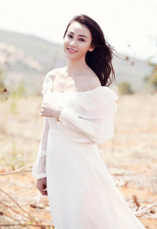Ngân Khánh khoe vai trần mong manh - 8