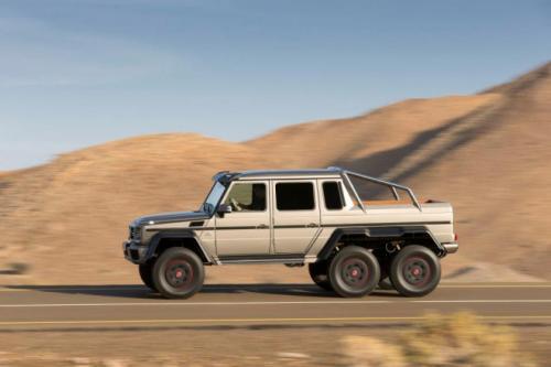 Mercedes-Benz G63 AMG 6x6: 'Đứa con' hoang dã - 2