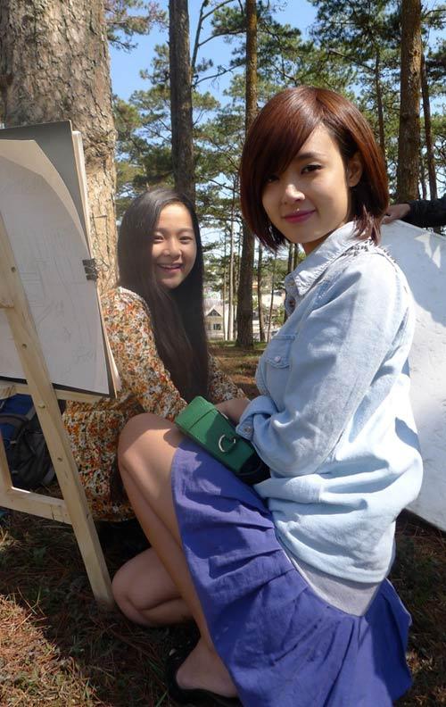 Midu váy ngắn đóng phim tại Đà Lạt - 3
