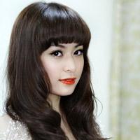 Hoàng Thùy Linh khoe tóc mới ngoan hiền
