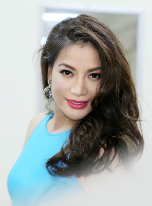 Hoàng Thùy Linh khoe tóc mới ngoan hiền - 8