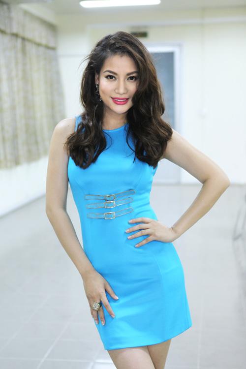 Hoàng Thùy Linh khoe tóc mới ngoan hiền - 9