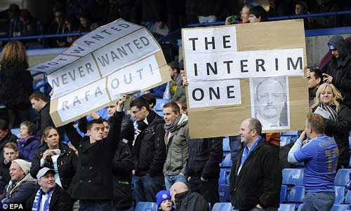 Mặc CĐV phản đối, Benitez đổi giọng - 2