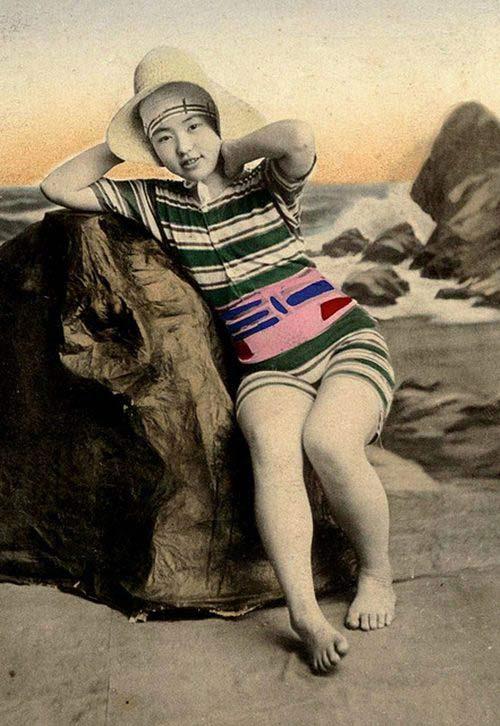 Lạ lẫm ngắm nàng geisha xưa mặc áo tắm - 5