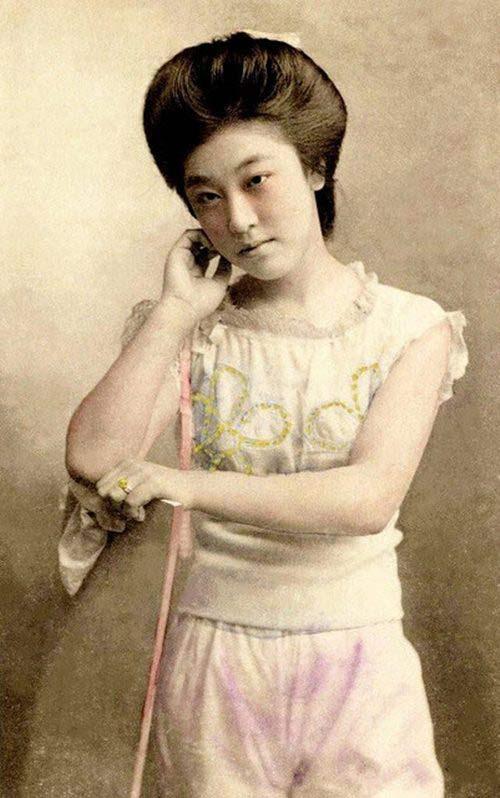 Lạ lẫm ngắm nàng geisha xưa mặc áo tắm - 6