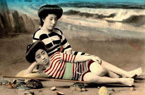 Lạ lẫm ngắm nàng geisha xưa mặc áo tắm - 7