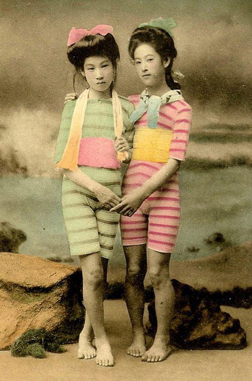 Lạ lẫm ngắm nàng geisha xưa mặc áo tắm - 16