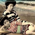 Thời trang - Lạ lẫm ngắm nàng geisha xưa mặc áo tắm