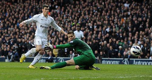 Tottenham - Arsenal: Sai lầm chết người - 1