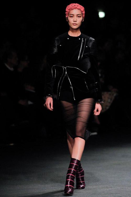 Givenchy sành điệu và đậm chất ăn chơi - 2