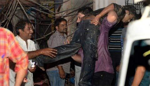 Pakistan: Đánh bom đẫm máu, 45 người chết - 5