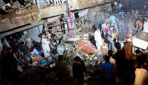 Pakistan: Đánh bom đẫm máu, 45 người chết - 7