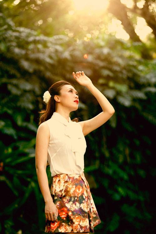 Mỹ nhân Việt, Trung lăng xê mốt váy túi - 16