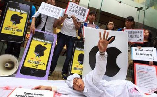 """""""Apple đối xử với công nhân như nô lệ"""" - 1"""