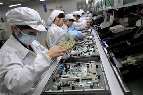 """""""Apple đối xử với công nhân như nô lệ"""" - 2"""
