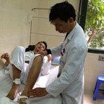 Sức khỏe đời sống - Cắt cụt chân vì đắp lá chữa bệnh khớp