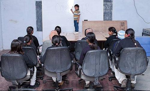 Thầy giáo lùn nhất thế giới - 1