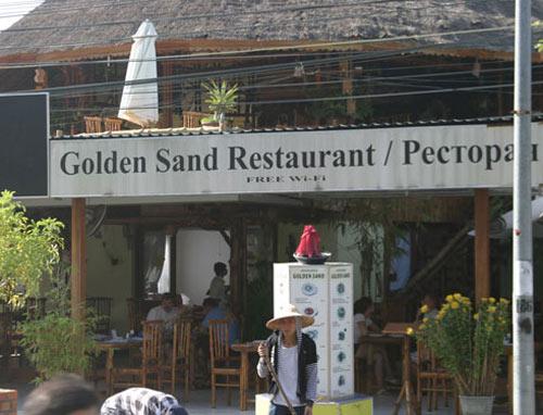 Nhà hàng Việt cũng từ chối... người Việt - 1