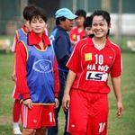 Bóng đá - Bóng hồng vất vả nghiệp bóng đá