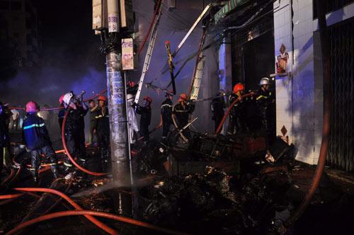 3 người chết cháy trong căn nhà bị khóa trái - 1