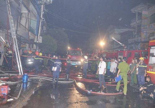 3 người chết cháy trong căn nhà bị khóa trái - 7