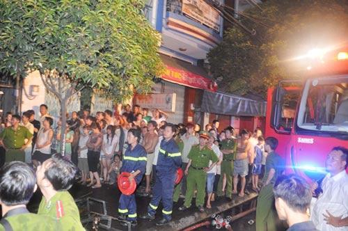 3 người chết cháy trong căn nhà bị khóa trái - 13