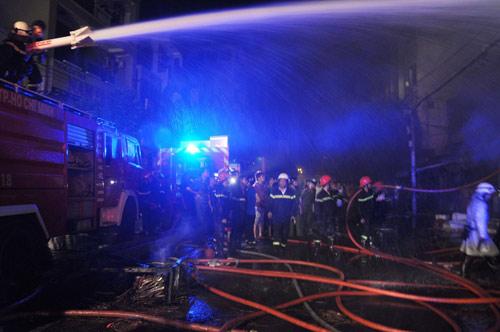 3 người chết cháy trong căn nhà bị khóa trái - 4