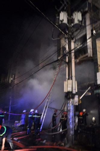 3 người chết cháy trong căn nhà bị khóa trái - 3