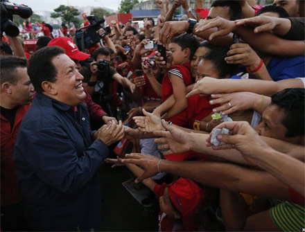 Cuộc đời Tổng thống Hugo Chavez qua ảnh - 14