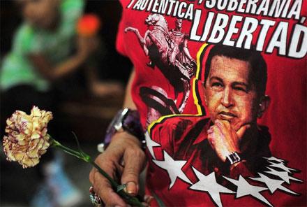 Cuộc đời Tổng thống Hugo Chavez qua ảnh - 15