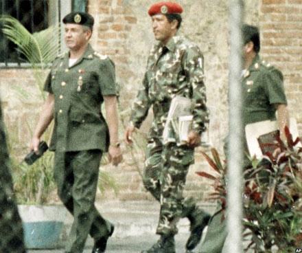 Cuộc đời Tổng thống Hugo Chavez qua ảnh - 2